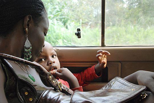 2009年6月23日 イフェ、大学病院までの道のり、路線バスのなかにて
